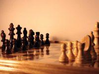 O que são Garfos, Pregaduras e Gambitos no Xadrez.